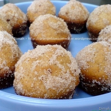 Dimah - http://orangeblossomwater.net - Sugar Donut Muffins 4