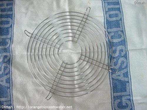 Dimah - http://www.orangeblossomwater.net - Round Cooling Rack 2