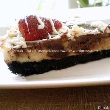 Dimah - http://orangeblossomwater.net - Cheesecake with Oreo Crust, and Mini Cheesecake 4