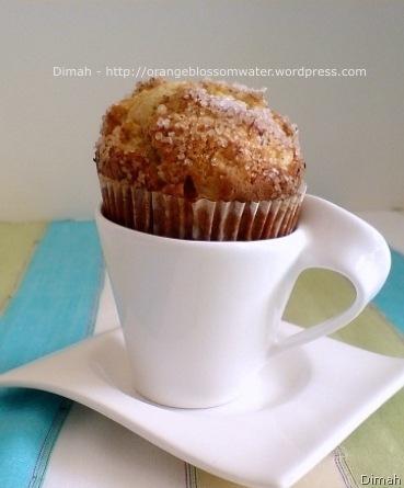 Dimah - http://www.orangeblossomwater.net - Apple Cinnamon Muffins 3