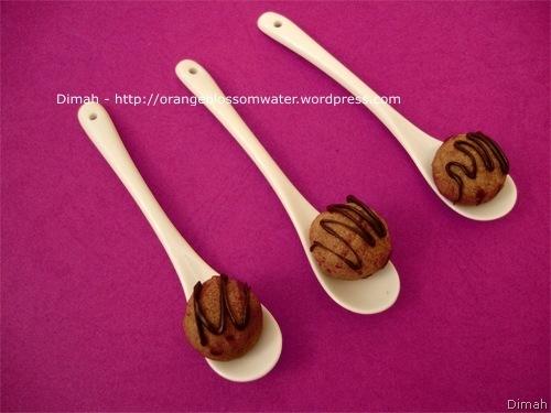 Dimah - http://www.orangeblossomwater.net - Chocolate Citrus Truffle Cookies 4