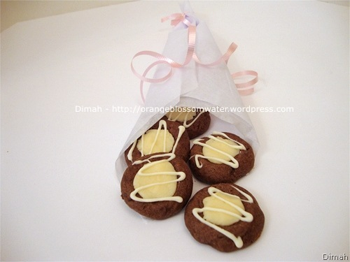 Dimah - http://www.orangeblossomwater.net - Chocolate Thumbprints 6