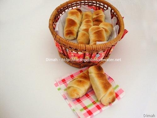 Dimah - http://www.orangeblossomwater.net - Cheese Rolls and Zatar Rolls 90