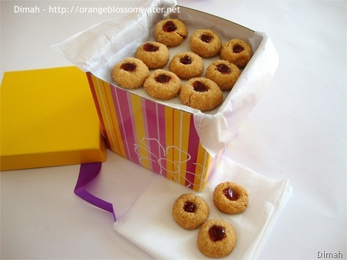 Dimah - http://www.orangeblossomwater.net - Peanut Butter and Jelly Thumbprints 6