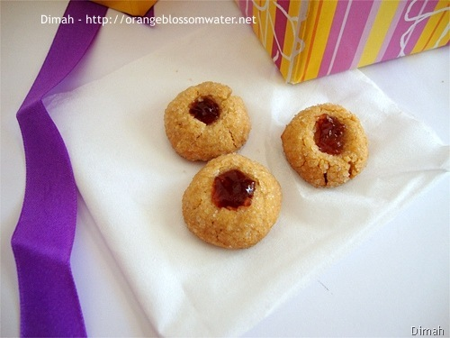 Dimah - http://www.orangeblossomwater.net - Peanut Butter and Jelly Thumbprints 7