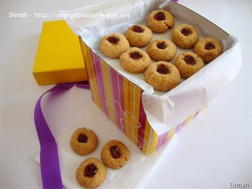 Dimah - http://www.orangeblossomwater.net - Peanut Butter and Jelly Thumbprints 8