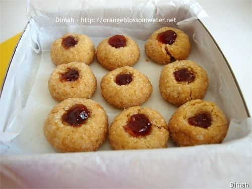 Dimah - http://www.orangeblossomwater.net - Peanut Butter and Jelly Thumbprints 9