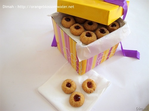 Dimah - http://www.orangeblossomwater.net - Peanut Butter and Jelly Thumbprints 91