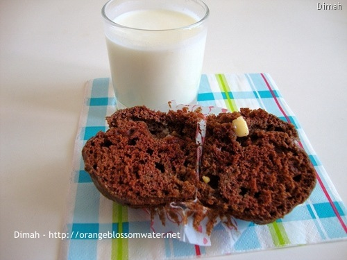 Dimah - http://www.orangeblossomwater.net - White Chocolate Chip Muffins 6