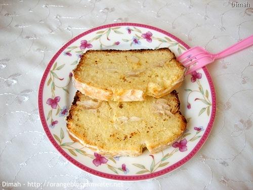 Dimah - http://www.orangeblossomwater.net - Lemon Coconut Bread 8