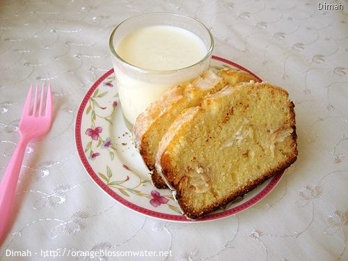 Dimah - http://www.orangeblossomwater.net - Lemon Coconut Bread 9