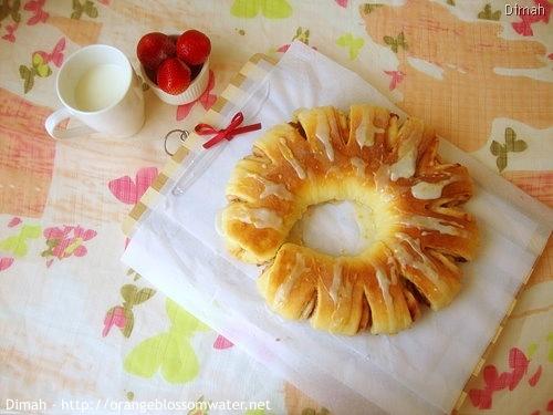 Dimah - http://www.orangeblossomwater.net - Berry Twist Bread 9