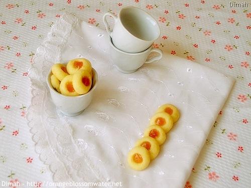 Dimah - http://www.orangeblossomwater.net - Apricot Buttons 5