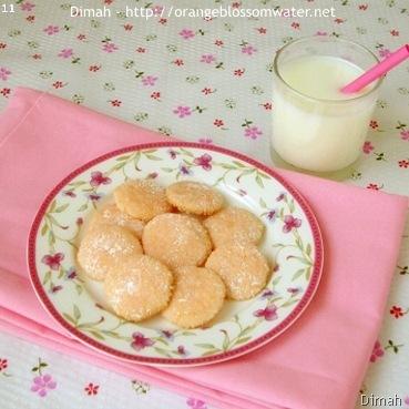 Dimah - http://www.orangeblossomwater.net - Pink Lemonade Wafers 4