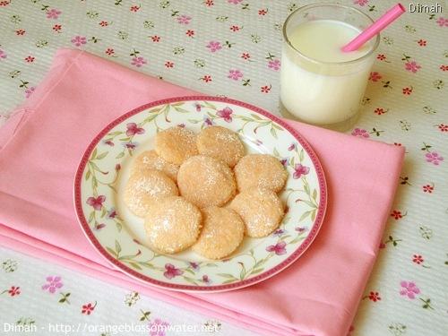 Dimah - http://www.orangeblossomwater.net - Pink Lemonade Wafers 7