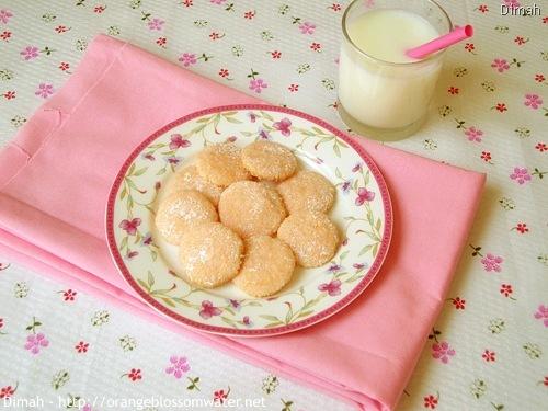 Dimah - http://www.orangeblossomwater.net - Pink Lemonade Wafers 8