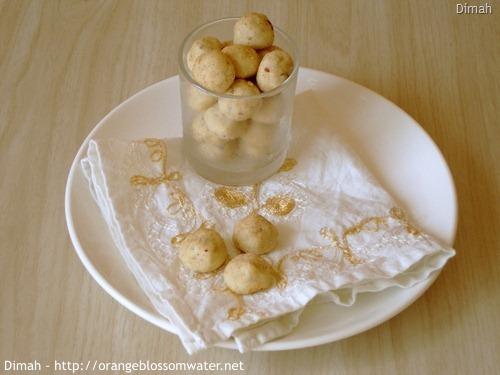 Dimah - http://www.orangeblossomwater.net - Cinnamon Tea Cakes 3