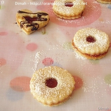 Dimah - http://www.orangeblossomwater.net - Raspberry Sugar Cookie Sandwiches 4